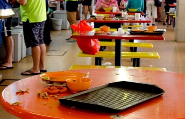 Singapore-hawker-tray