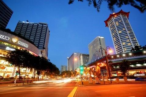 singapore still a shopping heaven
