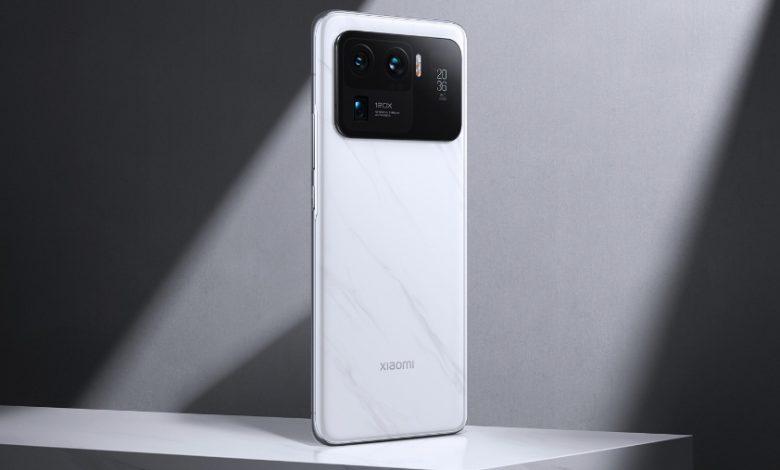 شاشة ثانوية في الخلف متوفرة في هاتف MI11 Ultra