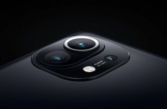 هاتف شاومي بمستشعر كاميرا 200 ميجا بيكسل