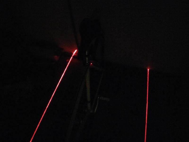 Lampe arrière piste cyclable vue de dos