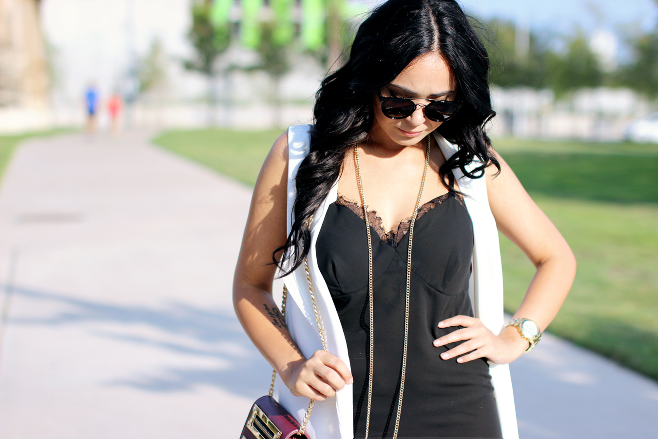FIXIN-TO-THRILL-SLIP-DRESS-LONGLINE-VEST-BLACK-WHITE-FALL-ATX-AUSTIN-STYLE-BLOG-SHIRTS-COLORS-TRENDS-FW15-TRENDY-CHIC-GLAM-FASHION-TEXAS-3