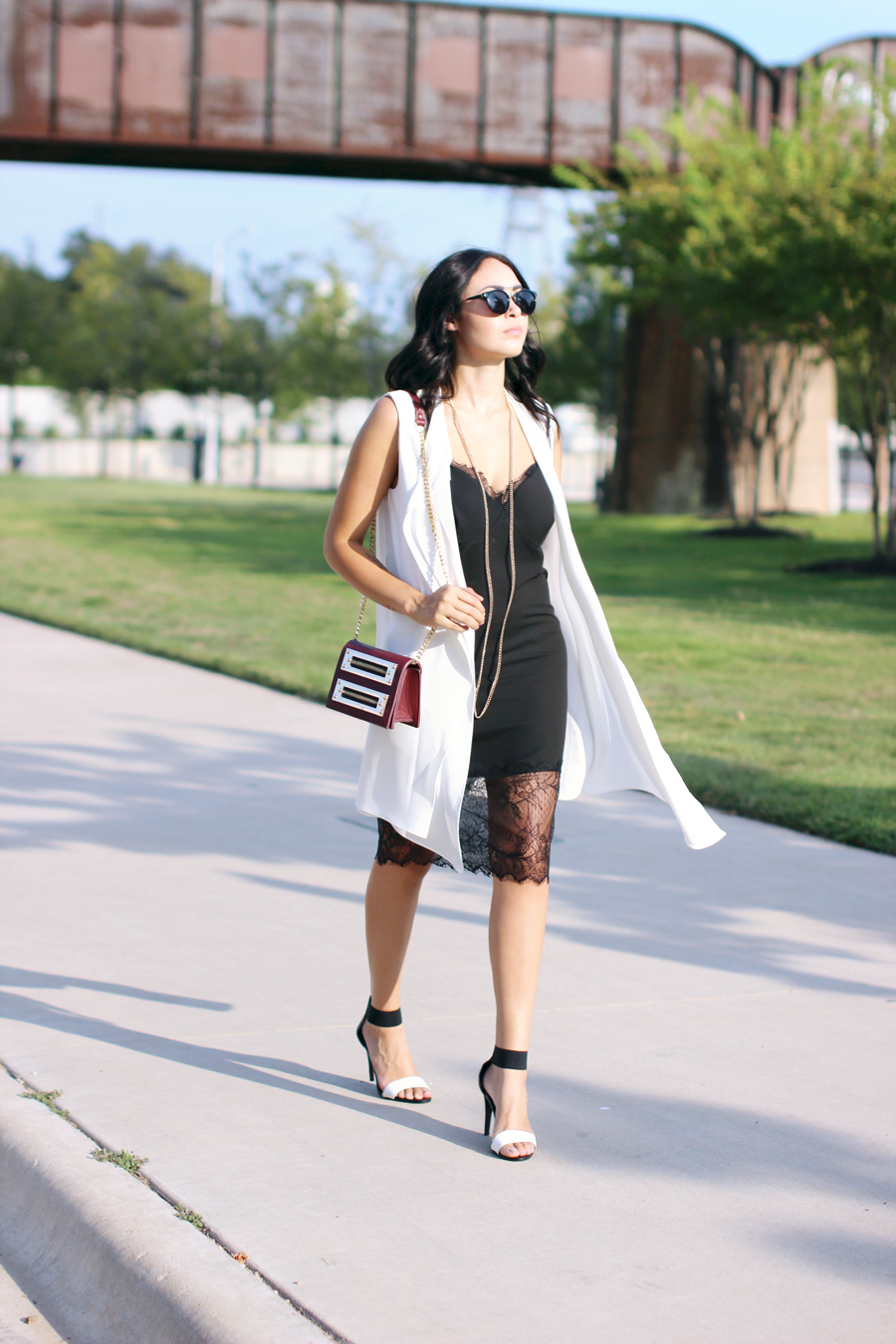 FIXIN-TO-THRILL-SLIP-DRESS-LONGLINE-VEST-BLACK-WHITE-FALL-ATX-AUSTIN-STYLE-BLOG-SHIRTS-COLORS-TRENDS-FW15-TRENDY-CHIC-GLAM-FASHION-TEXAS-6