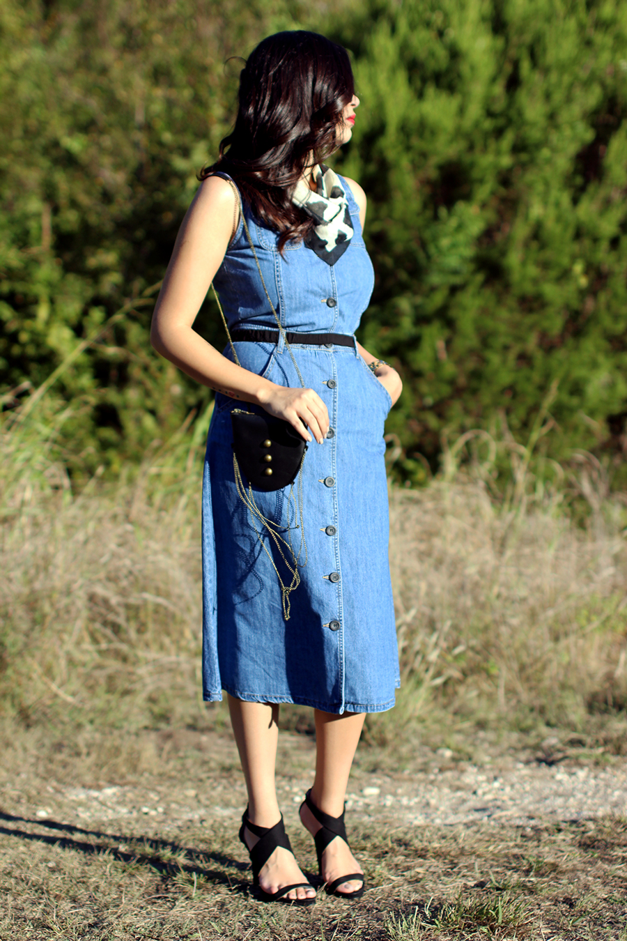 FIXIN-TO-THRILL-PINK-SILVER-FASHION-DENIM-DRESS-STRAPPY-HEELS-TREND-FALL-OCTOBER-ATX-AUSTIN-STYLE-BLOG-FW15-TRENDY-CHIC-GLAM-TEXAS