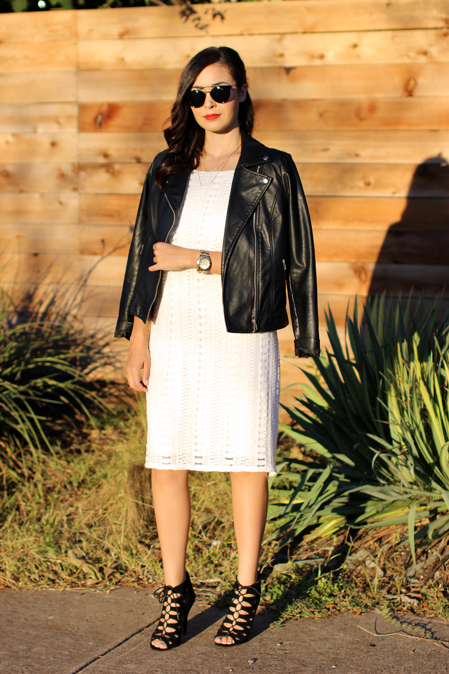FIXIN-TO-THRILL-WHITE-HALTER-DRESS-STRAPPY-HEELS-LEATHER-TREND-FALL-OCTOBER-ATX-AUSTIN-STYLE-BLOG-FW15-TRENDY-CHIC-GLAM-TEXAS10