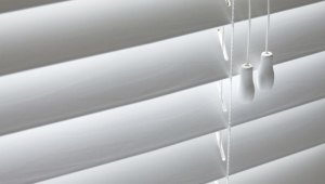 Blinds Handyman - Fix It!® MA Metro West - Call (508) 305-2055