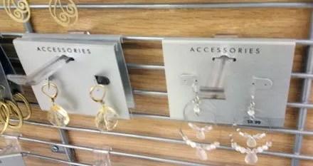 Acrylic_Grid_Hook_Jewelry