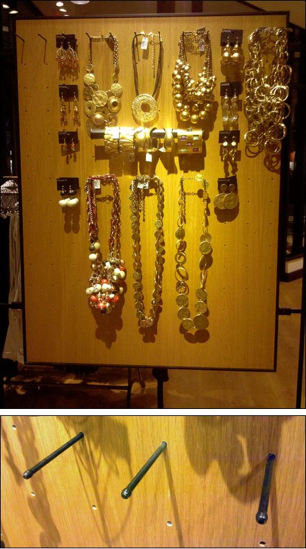 Plug 'N Play Jewelry Display