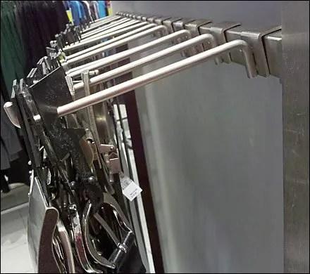 Gravity-Feed Backbar for Belts