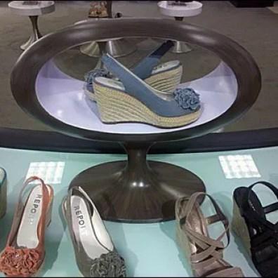 Elliptical Shoe Altar