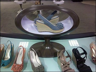 Elliptical Shoe Altar