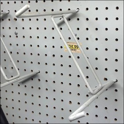 Diagonal Hammer Hook Detail