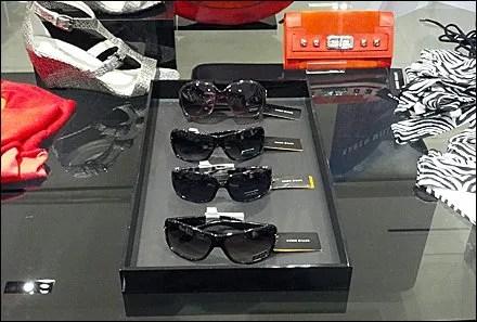 Sunglasses in Black Lacquer Tray