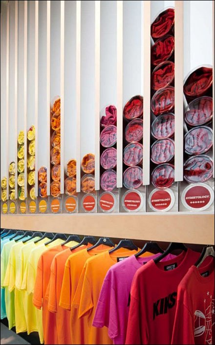 Store Self-Dispenses T-Shirts