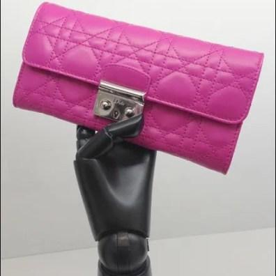 Dior Articulated Ebony Hand Closeup 1