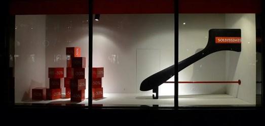 Paris Clothes Hangers Display = Vitrines Soldes aux Galeries Lafayette - Paris, janvier 2013   Flickr - Photo Sharing! Aux