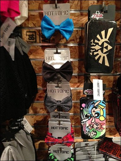 Bow Tie Hooks a Hot Topic 2