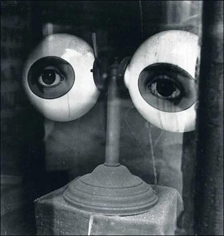 1939 Window Dressing Eye-Opener