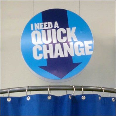Pop-Up Fitting Room for Quick Change Detail