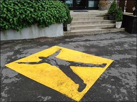 Warning Pedestrian Zone 1