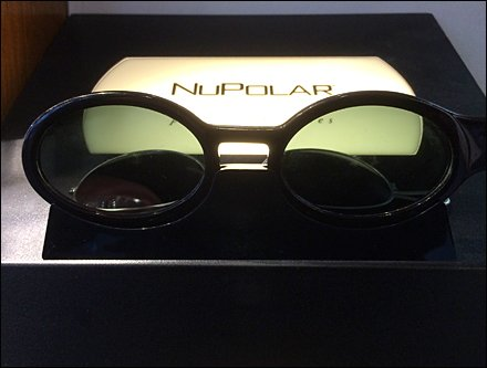 Polarized Point-of-Purchase for Eyewear
