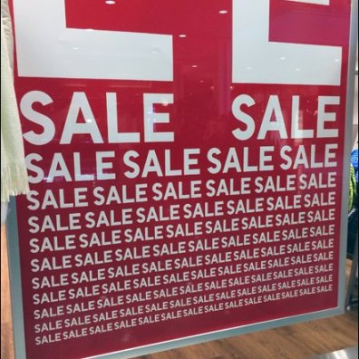 UNIQLO Sale Mantra Signage