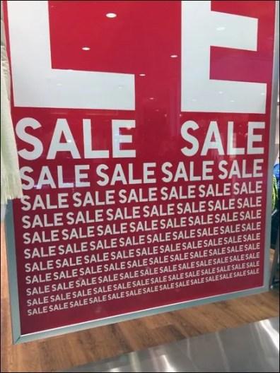 UNIQLO Sale Mantra Signage