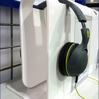 Wrap-Around Headphone Hanger 1