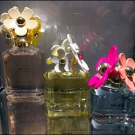 Marc Jacobs Daisy CloseUp