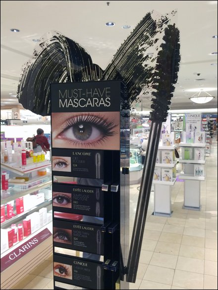 Must-Have Mascara in Silhouette