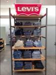 In-Store Branding Levi's in Neon