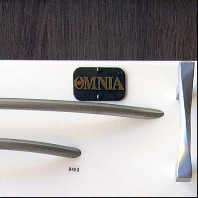 Sizing Drawer Pulls for Sale Omnia Logo