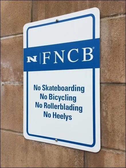 No Wheeled Bank Traffic Aux