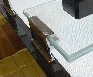 Chanel Bridged Glass Display 3