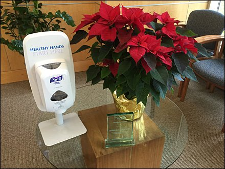 Lutron Table Top Purell Poinsetta Overall
