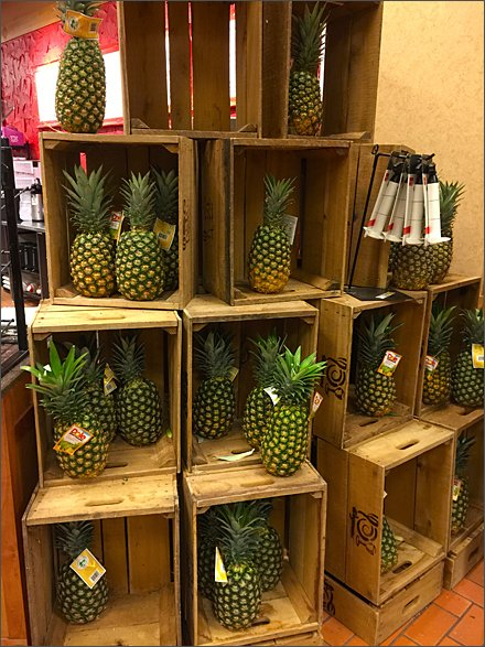 Dole Pineapple Pyramid Main