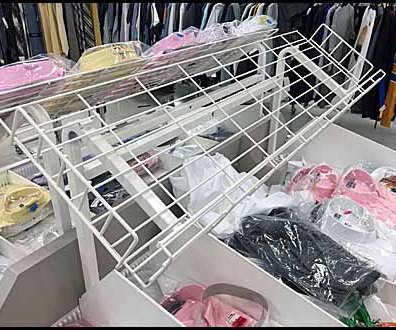 Declined Open Wire Dress Shirt Rack 2