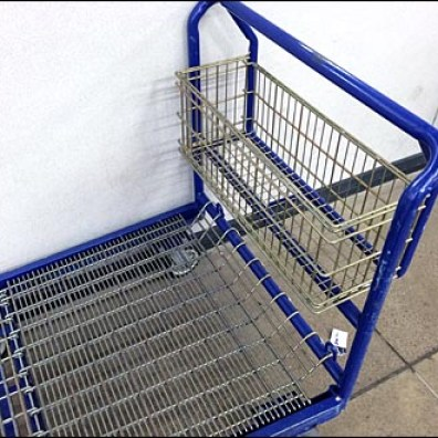6-Wheel Dolly With Wire Basket 2