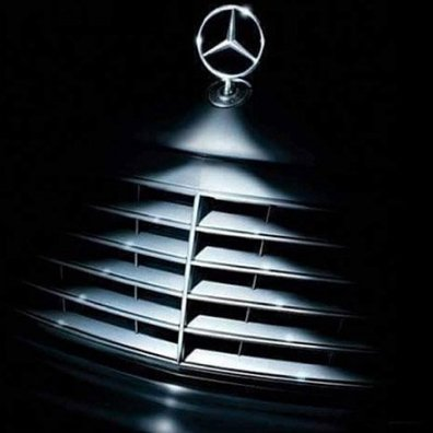 Best Of Christmas Ornament Merchandising Fixtures Close Up