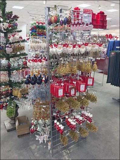 Triangular Wire Grid Christmas Ornament Array