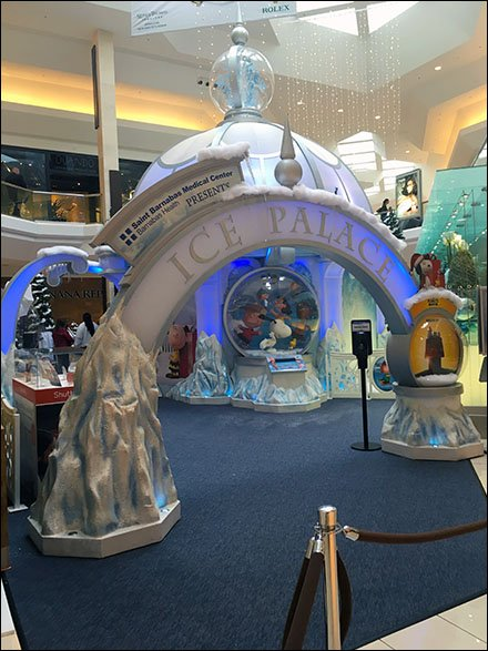 Mall Christmas Ice Palace Aux