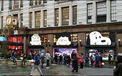 Peanuts Gang Awning Advertising at Macys® Herald Square 2