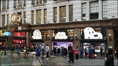 Peanuts Gang Awning Advertising at Macys® Herald Square 2