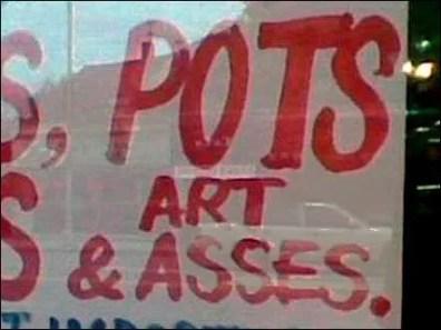 Lanps, Pots, Vases & Art Asses CloseUp