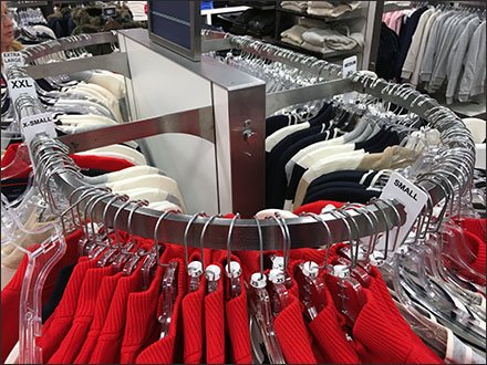 Round-End Rack for Apparel 3