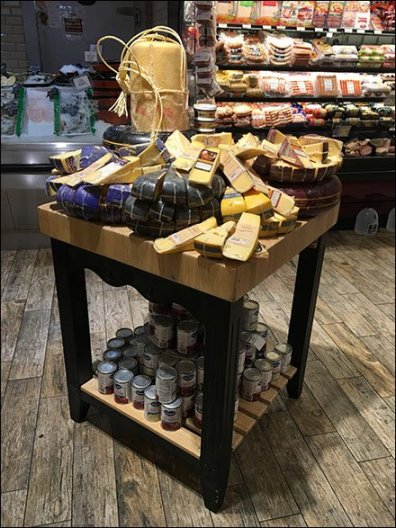 Gourmanoff Cheese Wheel Drum Display 1