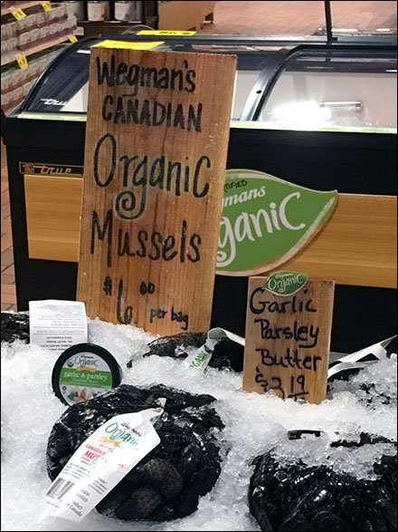 Organic Canadian Mussels on a Shingle Sign