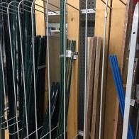 Plug-In Divider for Plank & Bar-Stock Merchandising