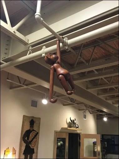 Dane Decor Monkey Hanging 1