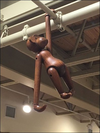 Dane Decor Monkey Hanging 2